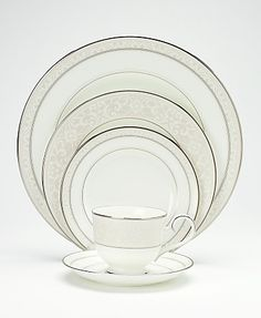 Love this china pattern