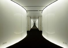 Hotel Silken Puerta America, second floor: elegance and flexibility by Norman Foster