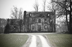 Old house. Located near Weidman Md. on Sudlersville Rd. (also known as 300) off of Highway 301. March 18, 2009 by Pixelfilmsproductions on Flickr.com