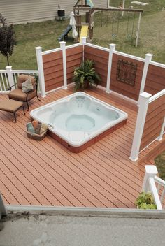 Deck with privacy screen in Virginia. Hot tub in the deck.