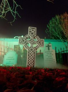 HOW-TO Carve Tombstones from Insulation Foam - Mister Data's Halloween Site