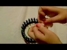 How to make a loom knitted bow