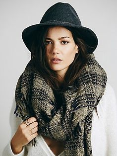 Free People Chain Band Felt Hat - Canadian made wool hat featuring a metal chain band. - BOHEMIAN FASHION STYLE - BOHEMIAN CHIC - BOHO-CHIC - HIPPIE CHIC - BOHO STYLE - - HAT - SOMBRERO - CHAPEAU - HUT - CAPPELLO - #fashion #moda #mode #ootd
