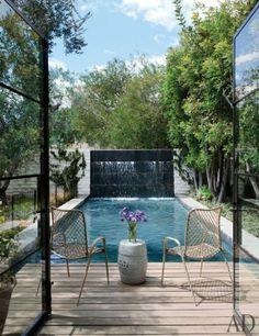 Small backyard pool. Jenni Kaynes home. via the zhush