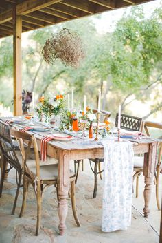 elegant tropical wedding inspiration, photo by Julie Shuford Photography http://ruffledblog.com/tropical-malibu-inspiration #weddingideas #tablescape #weddingreception