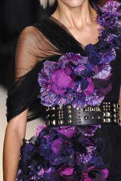 Purple Matthew Williamson Spring 2009 fashion, shades of purple, color, spring 2009, belt, williamson spring, matthew williamson, floral dresses, matthewwilliamson
