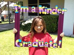 """End of year photo idea: from blog """"Apples and ABC's: Adventures in Kindergarten"""""""