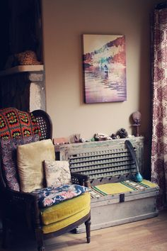 Bohemian living room via Roots and Feathers blog & Violet Bella