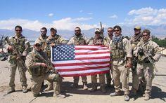 Real Heroes Of Lone Survivor Exclusive Featurette | Navy SEALs