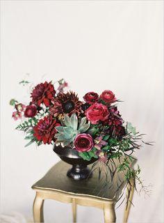 burgundy centerpieces, idea, strike darker, colors, burgundy wedding flowers, fall floral centerpieces, red flowers, dramatic wedding flowers, darker hue