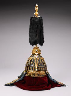 Chinese Emperor's helmet    1736-1795    Qianlong period    more info at http://www.vam.ac.uk/images/image/69641-popup.html