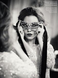 fashion, street style, style icons, masks, alexa chung, masquerades, elie saab, masquerade party, ulyana sergeenko