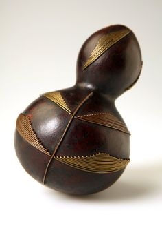 Africa | Snuff container from the Zulu people of KwaZulu Natal, South Africa | Gourd, brass and copper wire | Late 1800s  ||  {GPA}