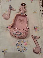 Vintage (LEFTON) WALL POCKET VIOLIN w/ MUSIC NOTE WALL PLAQUES (RARE)