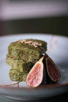 Oliven für Dinner | Green Tea Cakes Raw Almond von Jeff und Erin pics, via Flickr