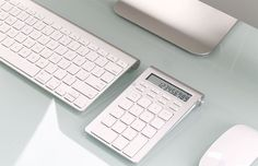 Satechi Bluetooth Smart Keypad http://coolpile.com/gear-magazine/satechi-bluetooth-smart-keypad-imac-macbook-mac-mini/ via coolpile.com by @Satechi  #Aluminum #Apple #Bluetooth #Cool #iMac #Keyboard #MacBook #Office #coolpile
