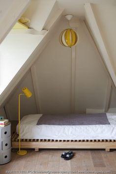 mommo design - MINIMALIST BOYS ROOMS