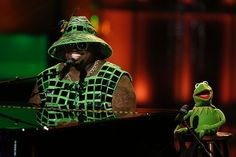It's not east bein' Green! #TheVoice