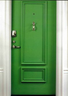 I should paint my front door green  :D