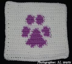 ROW COUNT PAW PRINT AFGHAN SQUARE Crochet Pattern - Free Crochet Pattern Courtesy of Crochetnmore.com