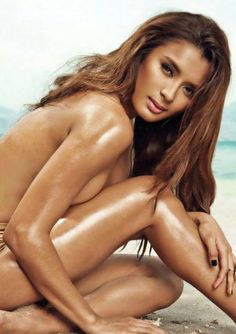 Sexy Hot Pinay Michelle wearing nothing but her tanned skin