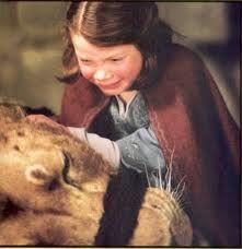 Lucy weeps over Aslan's dead body.