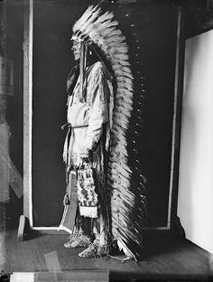 Porcupine - Cheyenne 1907  Long head dress.