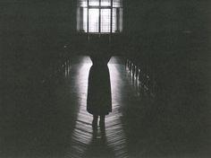 "Series Cortas: ""Compañera"" por Claudio Albarrán - http://www.anormalmag.com/shuffle/companera-claudio-albarran/"