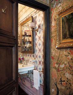 The Paris Left Bank apartment of architect, Laura Sartori Rimini of Studio Peregalli, Milan. Image from Vogue Living