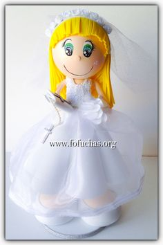 First Communion keepsake fofucha doll. Customized to resemble to your child. Handmade doll made using foam sheets and fabric. You can display doll as a centerpiece, CakeTopper and later keep it as a memoir of the special day. Can be customized. She is 12 inches for more info email info@fofuchas.org or like us at www.facebook.com/FofuchasHandmadeDolls #FirstCommunion #Fofuchas # baptismideas #centerpiece