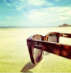 Ray-Ban Sunglasses!!! Summer good choose!