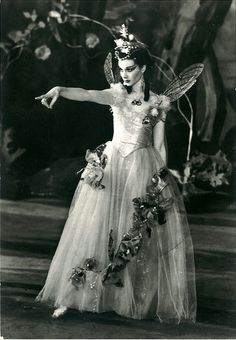 Vivien Leigh as Titania in a 1937 production of A Midsummer Night's Dream