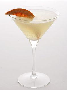 low calorie Grapefruit Basil Martini