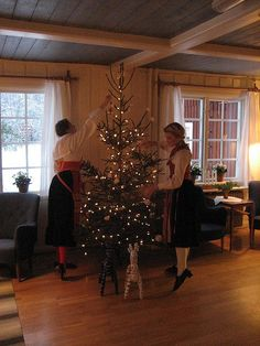Traditional Christmas tree, Sweden