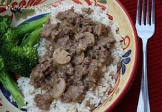 Quick Ground Beef Stroganoff  1 - lb. hamburger or ground turkey 1 - 10.5 oz can cream of mushroom soup 1 - packet brown gravy mix 1 - cup water 1/2 - cup sour cream 2 - tbsp. chopped onion salt & pepper (to taste) 1 - 4oz can sliced mushrooms egg noodles, rice or mashed potatoes