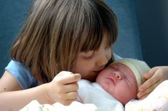 New baby doesn't have to equal jealous sibling. Five great gift ideas for newly appointed big brothers/sisters!
