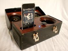 DIY Idea: Make a Portable Lunch Box Stereo » Man Made DIY   Crafts for Men « Keywords: how-to, vintage, upcycle, lunchbox