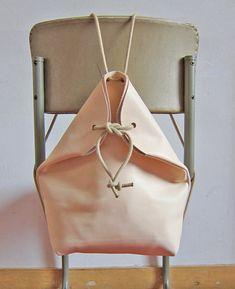 minimal rucksack nude