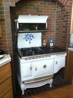 Antique Kitchen Stoves on Pinterest | Antique Kitchen ...
