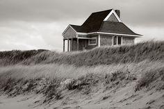 beach hut, nantucket island, beaches, beach bungalow, beach cottages, cottag dream, cottag life, vacat hous, small hous