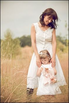 love the mommy and daughter image