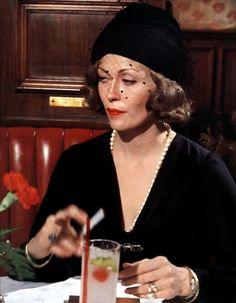 Faye Dunaway in Chinatown (1974)