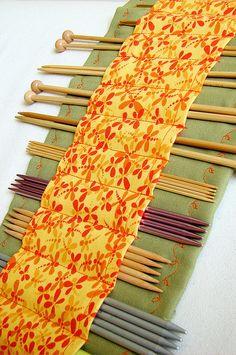 Knitting needle holder by sukogirl, via Flickr