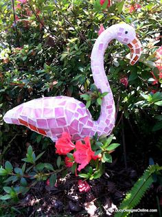 plastic flamingo, pink flamingos, mosaics, garden art, flamingo project, luci design, dollar store crafts, craft blogs, mosaic flamingo