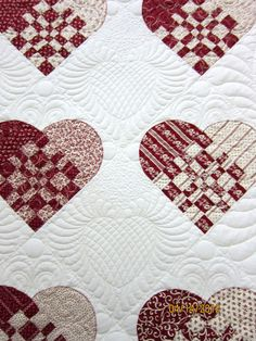 Hearts quilting, quilt show photos by Nonnie's Quilting Dreams #quilt #quilting #tinlizzie18