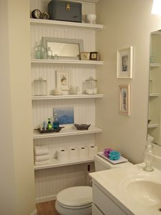 shelf styling in the bathroom