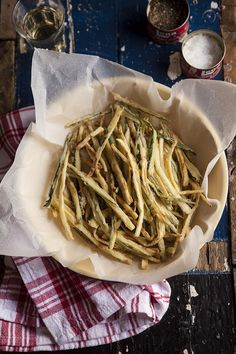 Zucchini Shoe String Ribbon Fries / Drizzle and Dip