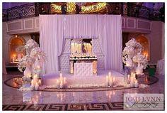 sweetheart table - looks heavenly