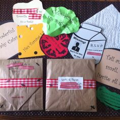 Picnic theme party lunch bag invitations!!