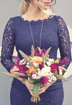 rustic country bouquet Photography by http://www.anthemphotography.com